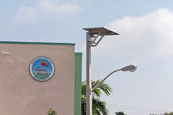 solar street lights to resist hurricanes