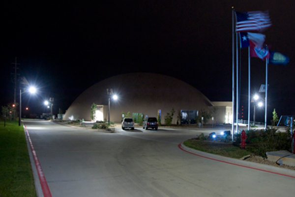 solar powered outdoor parking lot lights at business continuity domes