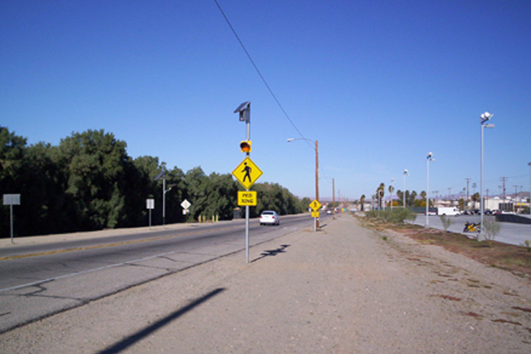 Solar Pedestrian Crosswalk Flasher 29 Palms