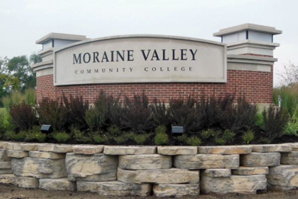 Moraine Valley CC Solar Power Sign Light Design