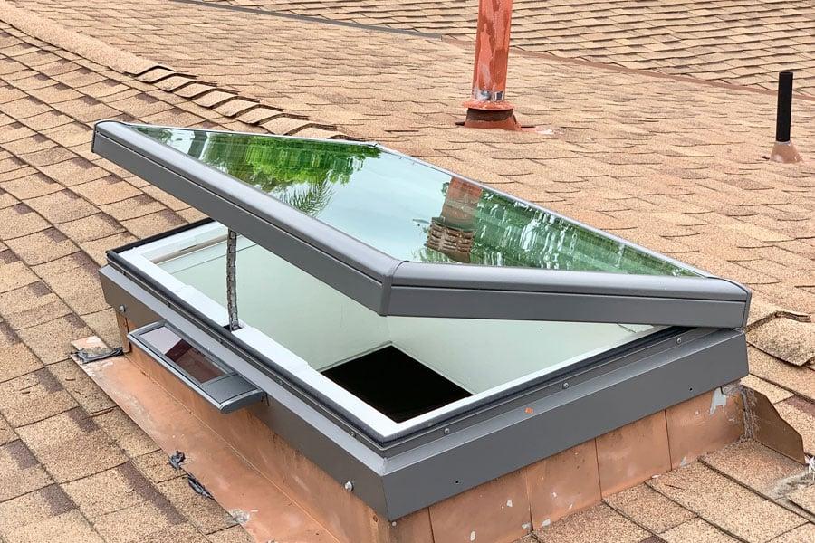 Venting_Solar_Powered_Glass_Skylight