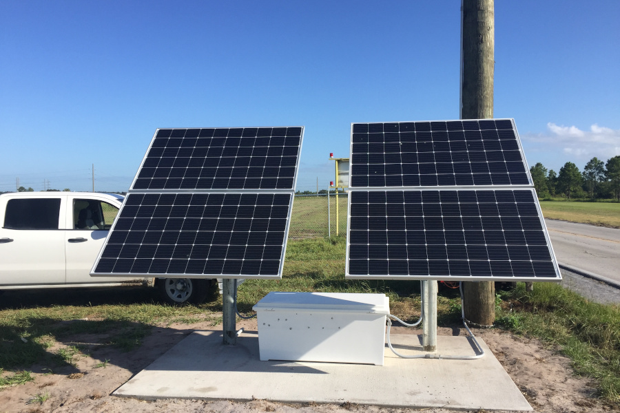 Solar Power Station w/ Large Battery Storage