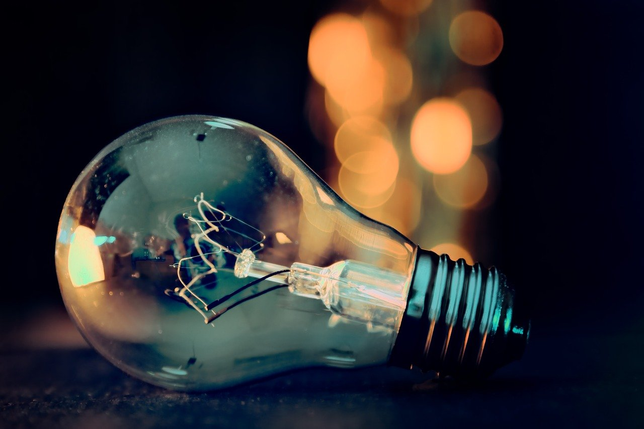 https://pixabay.com/photos/light-bulb-lights-bokeh-energy-3535435/