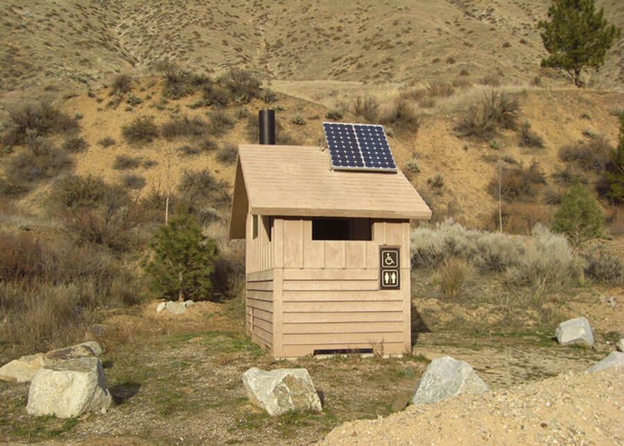 Lucky Peak Dam Remote Restroom Solar Lighting System