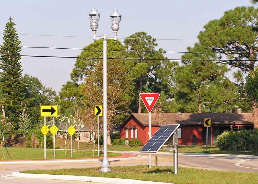 Salerno Circle Decorative Solar Acorn Lighting System